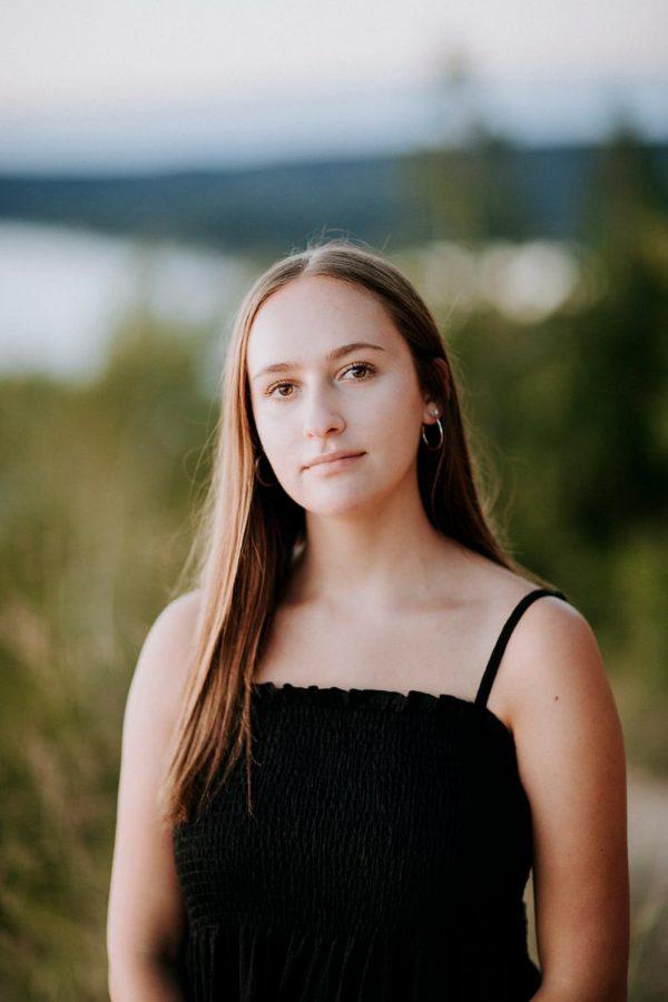 Wanacott's Senior photo for 2021